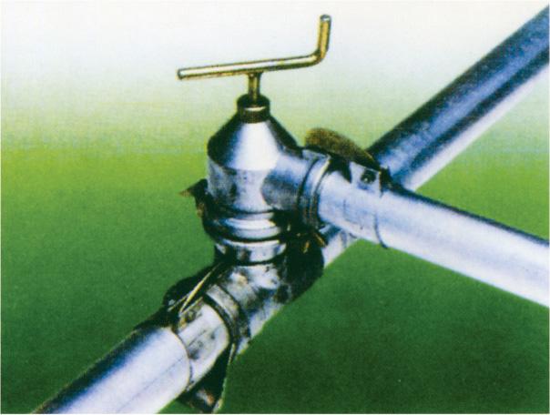 全移动式主管与支管连接