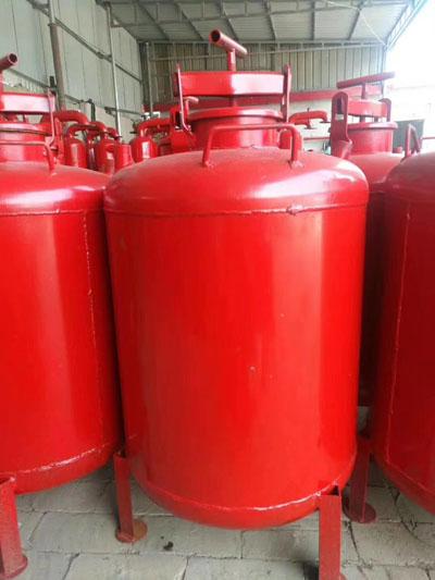 立式过滤器水罐存放